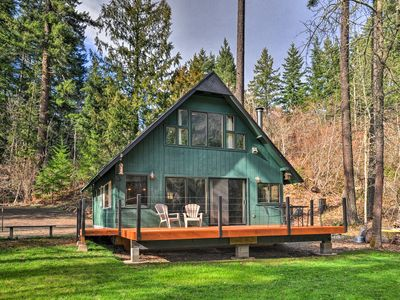 Photo for White Salmon Cabin with Views & River Access!