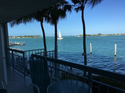 BALCONY 45 FEET FROM OCEAN w private spiral stair to sundeck/Tiki Bar