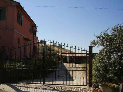 Photo for Holiday house Collecorvino for 4 - 6 persons with 3 bedrooms - Holiday house