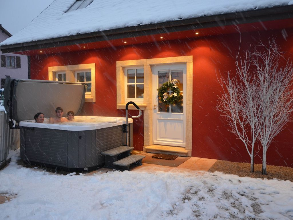 Luxury Cottage Doller, outdoor hot tub,... - HomeAway Sewen