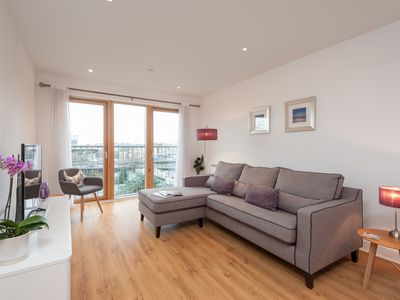 Photo for 1BR Apartment Vacation Rental in Glasgow, Glasgow City - Anderston/City