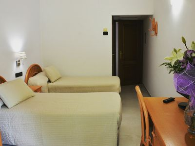 Photo for Comfortable rooms, panoramic swimming pool and excellent breakfast.