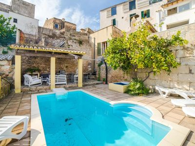 Photo for Ideal for cyclists! Beautiful town house for 8 + 1 people with pool.