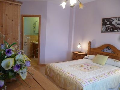 Large Master Bedroom with private en suite shower room & toilet