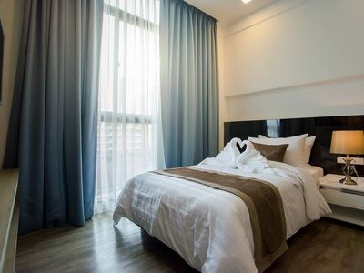 Photo for Stunning Two Bedroom Apartment Soi 39