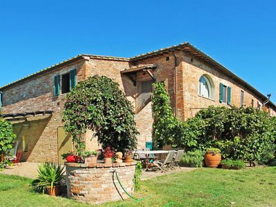 Photo for Cosy apartment in villa for 3 people with pool, WIFI, TV, balcony, pets allowed and parking