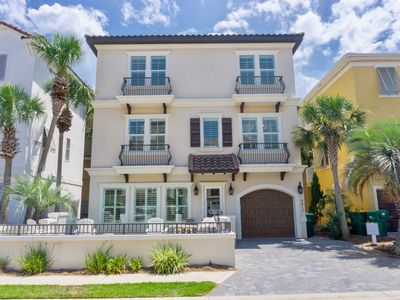 Photo for Ain't Life A Beach~4bed/3.5 Bath Elegant Beachside Getaway in the Prestigious Ga