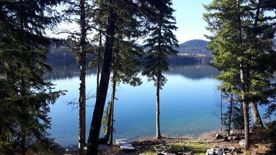 Photo for Private Waterfront Cottage on Lac des Roches