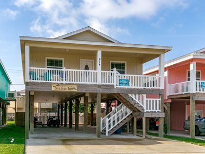Photo for Reel'Em Inn, 3 bed/2bath, PRIVATE POOL, Sleeps 16, *FREE GOLF CART*