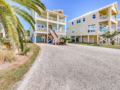 Photo for Family-friendly beach home w/ Gulf views, a full kitchen, & spacious living area