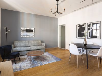 Photo for Lovely 2BR in Trevi by Sonder