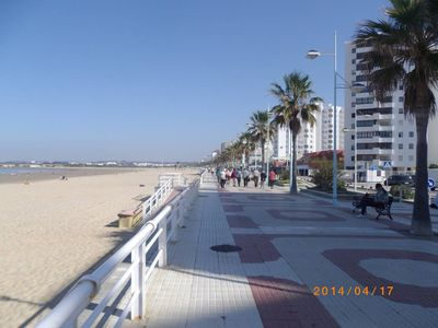 Photo for First line and view of the beach. 4 rooms 80m². Very well placed. Andalusia.
