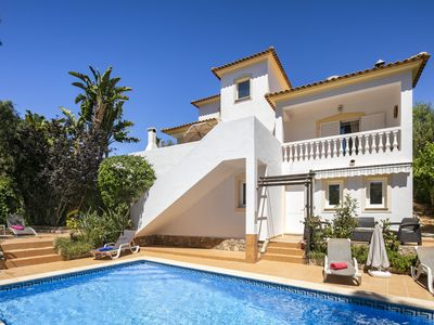 Photo for Beautiful Carvoeiro villa, air conditioning, Wi Fi, heated pool