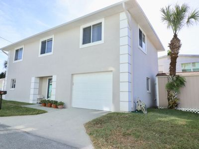 """Photo for """"Isle Of Grace"""" Walk to Flagler and Beach from this pristine family home!"""