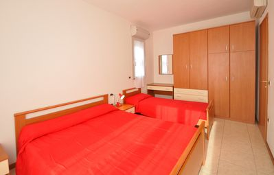 Photo for Residence Millennium, Bibione, two-roomed apartment sleeping 5, washing machine, climate