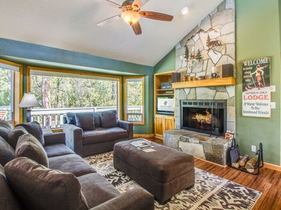 Photo for 3 Bedroom, Dog Friendly, A/C, Wood Fireplace, Hot Tub and Ping Pong - SPLI11