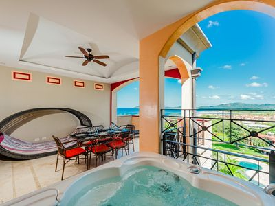 Upstairs balcony with private jacuzzi - Ocean view