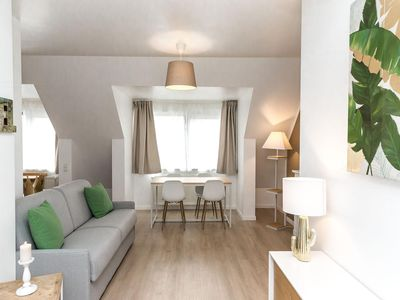 Photo for Palestrina 56 apartment in European Quarter with WiFi & lift.
