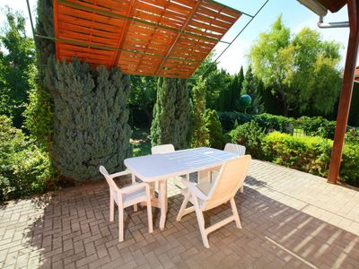 Photo for Vacation home Balaton H2101 in Balatonfoldvar/Balatonszarszo - 8 persons, 4 bedrooms