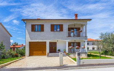 Photo for Inexpensive apartment with bedroom, kitchen, bathroom, Wi-Fi, air conditioning, garden, barbecue and only 700 meters to the beach