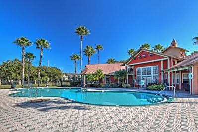 Situated in a family-friendly, gated complex, just 8 miles from Disney World, this apartment promises an adventurous getaway!