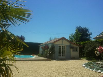 Photo for Nice bed and breakfast ideally located to visit Bordeaux and its region