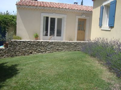 Photo for Cottage with pool in L'Isle Sur La Sorgue