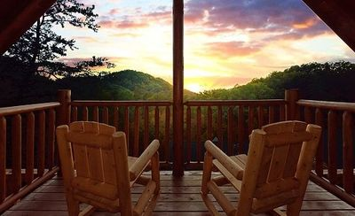 Photo for Luxury Cabin in Pigeon Forge!  10 Minutes to Pkwy!