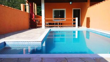 SOBRADO WITH 4D AND SWIMMING-POOL IN COND. CLOSED - NEXT BEST BEACH OF THE NORTH COASTLINE