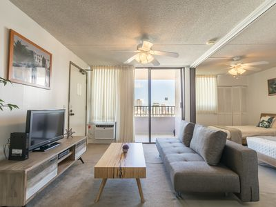 Photo for Beautiful 28th floor 1 bedroom at the Royal Kuhio
