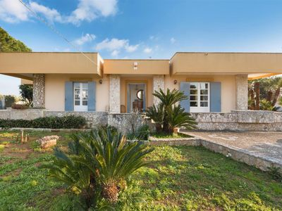 Photo for 806 elegant villa with garden near Gallipoli
