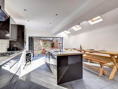 Photo for Period Cardiff townhouse with tasteful, modern interior is convenient accommodation for a group visi