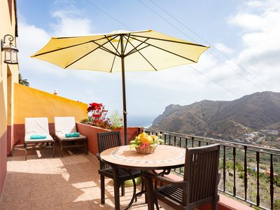 Photo for In the Hermigua valley, with terrace, barbecue, Wifi and international channels