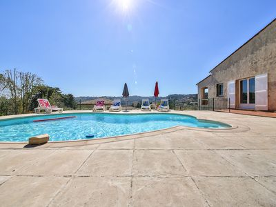 Photo for Provencal villa 180 m2 2 km from the sea between Cannes and Antibes