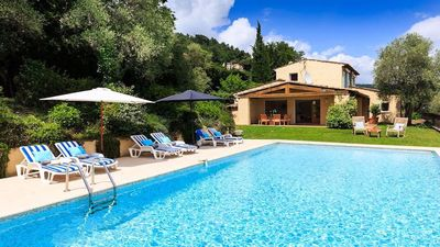 Photo for Beautiful Provencal villa with exceptional views of the bay of Cannes