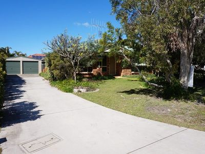Photo for 4 Boronia Place - Rainbow Beach