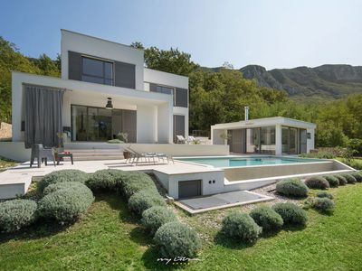 Photo for Beautiful modern villa with pool near Labin