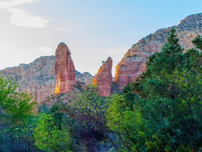 Sedona Mountain View Home- Spectacular Views-Hiking--Spa-BBQ-Fireplace-WIFI