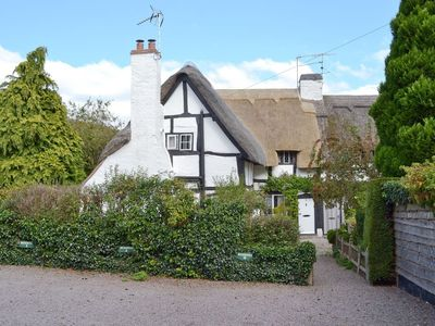 Photo for 1 bedroom property in Stratford-Upon-Avon. Pet friendly.