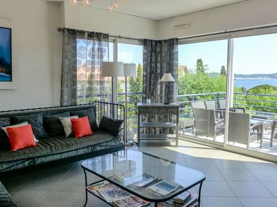 Photo for Lovely apartment with A/C, pool, TV, washing machine and parking