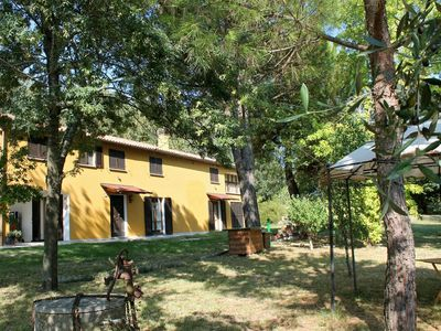 Photo for Casale Montebello, single villa with 6 bedrooms and large garden.