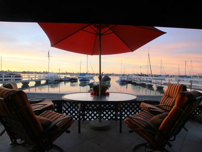 Photo for ENTERTAINERS South Bayfront home: AMAZING Gourmet kitchen, Luxe Bath + Lg Patio!
