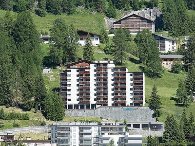 Photo for Apartment in the center of Davos with Lift, Parking, Internet, Washing machine (53099)