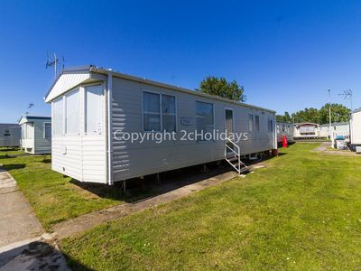 Photo for 8 berth static caravan for hire at Seawick holiday park in Essex. ref 27033
