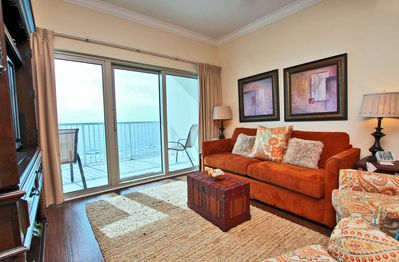 17th Floor Gulf View Living Room