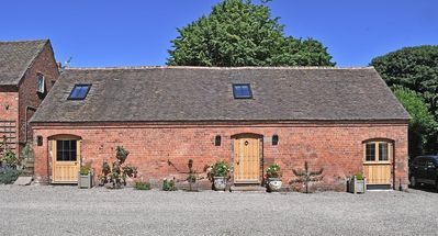 Photo for Beautifully crafted converted barn with stunning ground floor accommodation
