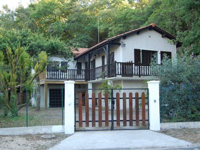 Photo for Beautiful Villa, any comfort, 8 pers, 3 ch, WIFI, 150 m Lacanau lake, 7 km ocean