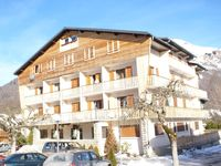 Beautiful flat 1.5miles from the centre of Morzine, well decorated and very specious