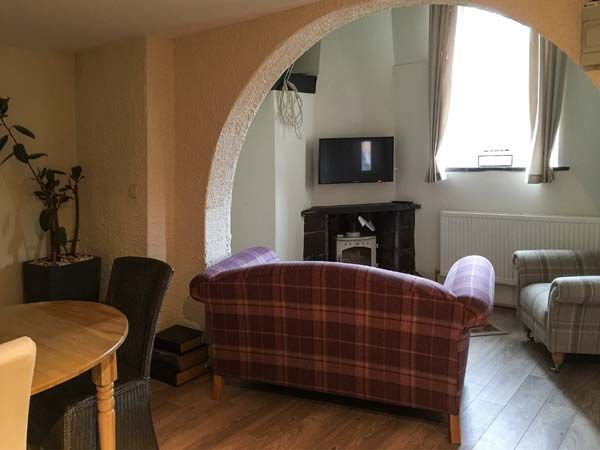 Chambers Apartment Pet Friendly In Betws Y Coed Ref 931669