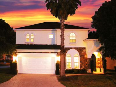 LUXURIOUS 6 Bed ~Disney Themed~Upgraded Kitchen~Game Room w/AC~WiFi~Pool/Spa/BBQ